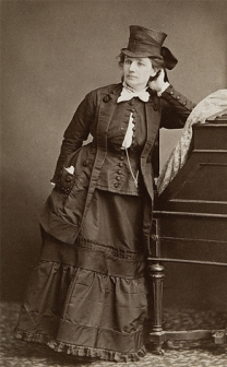 victoria-woodhull-by-mathew-brady-c1870-med